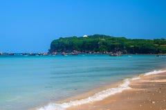 A praia na ilha de Weizhou, China Imagens de Stock Royalty Free