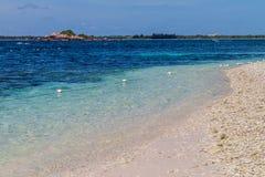 Praia na ilha do pombo perto da vila de Nilaveli em Sri escorrido fotografia de stock