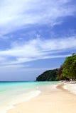 Praia na ilha Maiiton, Tailândia Fotografia de Stock Royalty Free
