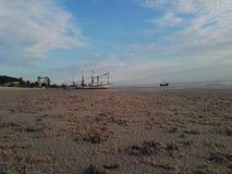 Praia na manhã foto de stock royalty free