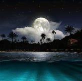 Praia na noite Imagem de Stock Royalty Free