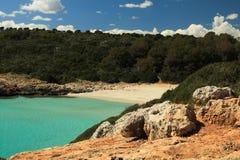 Praia natural dos briques de Cala imagem de stock royalty free