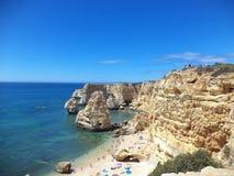 Praia no Algarve, Portugal Imagens de Stock