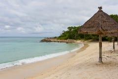 Praia no console tropical Fotografia de Stock Royalty Free