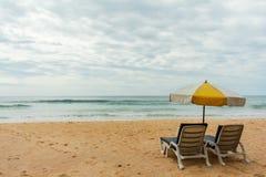 Praia no dia de férias Fotografia de Stock Royalty Free