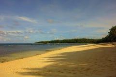 Praia no final da tarde fotografia de stock