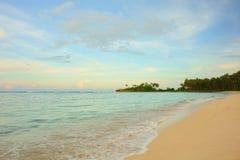 Praia no final da tarde imagens de stock royalty free