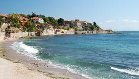 Praia no Mar Negro em Nessebar, Bulgária Fotos de Stock Royalty Free