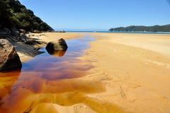Praia no parque nacional de Abel Tasman Imagens de Stock