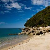 Praia no parque nacional de Abel Tasman Fotografia de Stock