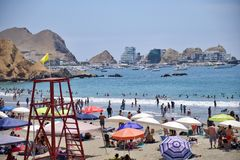 Praia no Peru Praia na sobremesa fotografia de stock royalty free