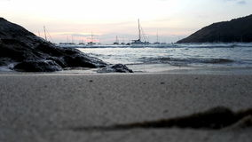 Praia no por do sol vídeos de arquivo