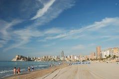 Praia no recurso mediterrâneo fotografia de stock