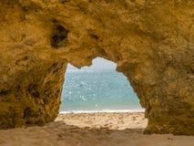 Praia no vendaval, Portugal da areia imagem de stock