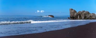 Praia noir Formose de plage de sable à Funchal, Madère images libres de droits