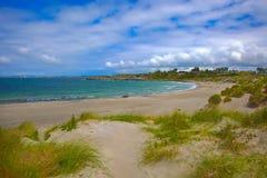 Praia norueguesa em um dia ensolarado imagem de stock royalty free