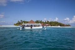 Praia nos Maldives imagem de stock