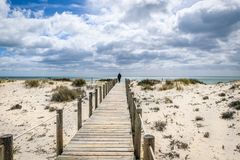 Praia o Algarve Portugal de Barril fotografia de stock