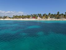 A praia obtém afastado imagens de stock royalty free