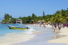 Praia ocidental da baía nas Honduras imagem de stock royalty free
