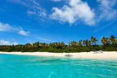 Praia perfeita da imagem nas Caraíbas Fotografia de Stock