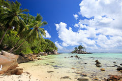 Praia perfeita em Seychelles imagens de stock royalty free