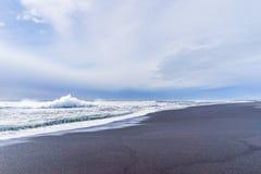 "Praia preta costa Oceano Atlântico do †de Islândia de "" Imagens de Stock"