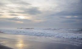 Praia preta da areia no Oceano Índico Imagem de Stock Royalty Free