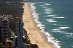 Praia principal do paraíso dos surfistas - Queensland Austrália Foto de Stock Royalty Free