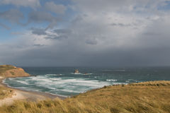 Praia remota antes da tempestade Foto de Stock