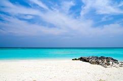 Praia rochosa imagens de stock