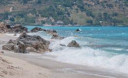 Praia rochosa fotografia de stock royalty free