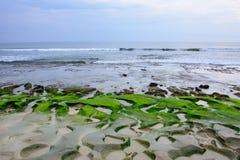 Praia rochosa Balangan, ilha de Bali, Indonésia foto de stock