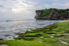 Praia rochosa Balangan, ilha de Bali, Indonésia fotos de stock