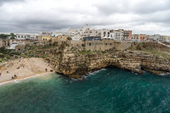A praia rochosa mas muito bonita em Itália Fotografia de Stock Royalty Free