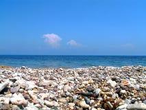 Praia rochoso Imagens de Stock Royalty Free