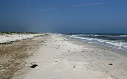 Praia só de Florida com dunas e ressaca Fotografia de Stock