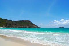Praia salina em St Barts, Índias Ocidentais francesas Fotos de Stock Royalty Free