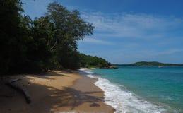 Praia selvagem em Phuket Imagem de Stock