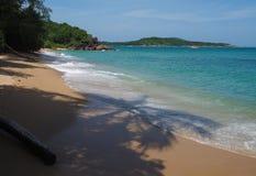 Praia selvagem em Phuket Fotografia de Stock Royalty Free