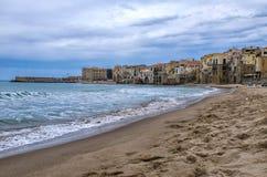 Praia Sicília do ¹ de CefalÃ, Itália Fotografia de Stock Royalty Free