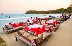 Praia tailandesa, restaurante na baía de Wong Duan, ilha de Koh Samet, Thail Fotografia de Stock