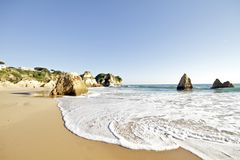 Praia Tres Irmaos em Alvor Portugal Fotos de Stock