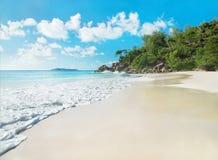 Praia tropical Anse Georgette, ilha Praslin, Seychelles Imagem de Stock Royalty Free