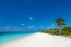 Praia tropical bonita em Maldivas Imagem de Stock Royalty Free