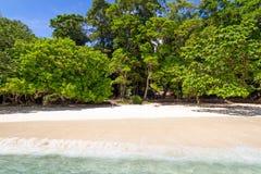 Praia tropical de ilhas de Similan Imagem de Stock
