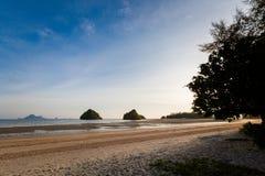 Praia tropical de Nopparattara em Krabi Fotos de Stock Royalty Free
