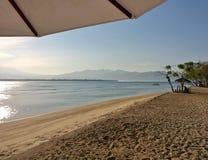 Praia tropical em Gili Meno Fotos de Stock Royalty Free
