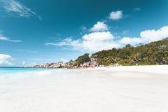 Praia tropical em Seychelles fotos de stock