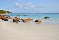 Praia tropical em Seychelles, praia de Anse Lazio Foto de Stock